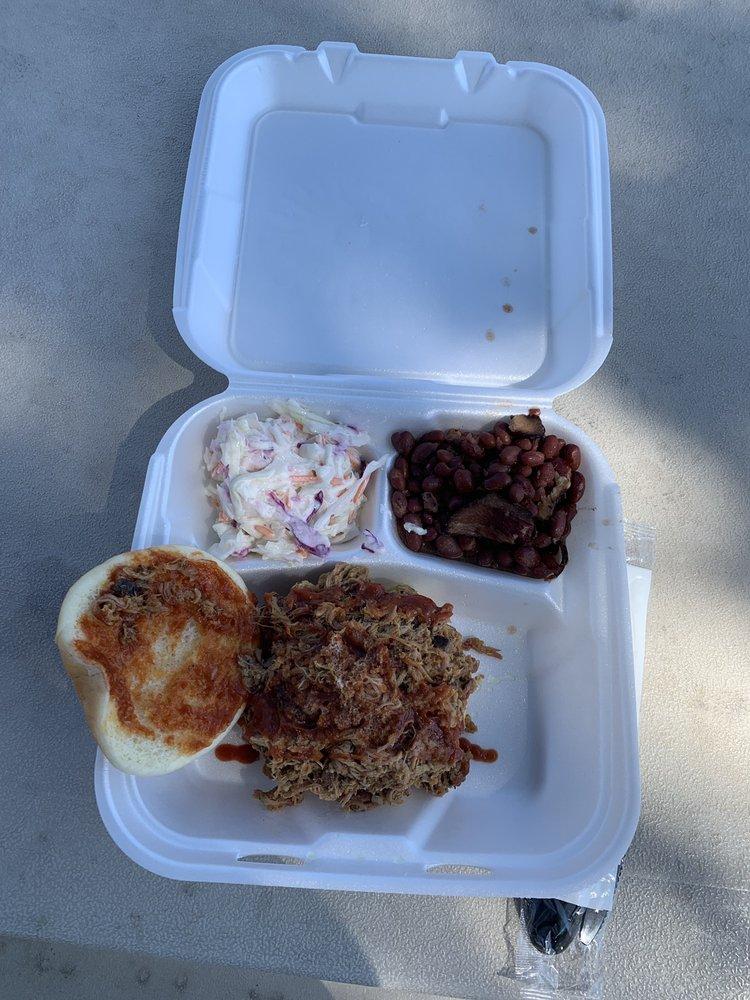 CampFire BBQ: 8095 Skyway Rd, Paradise, CA