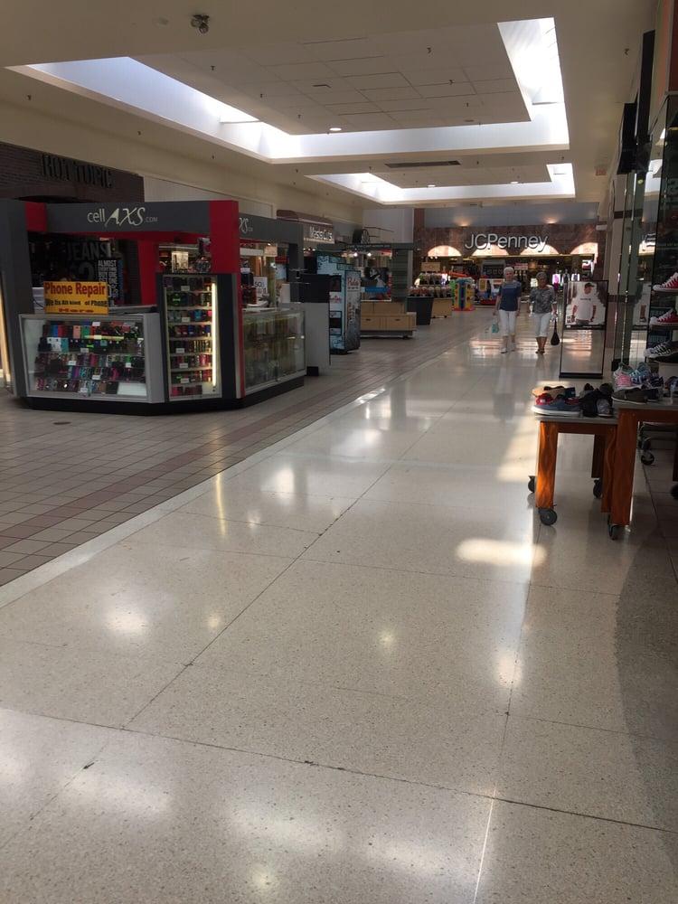 Richland Mall: 2209 Richland Mall, Mansfield, OH