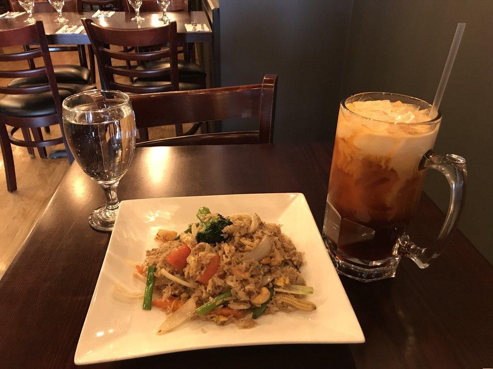 Phattra Thai Restaurant: 426 Main St, Metuchen, NJ