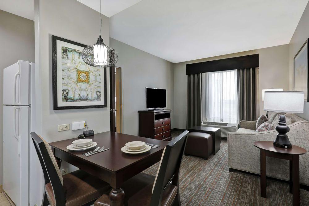 Homewood Suites by Hilton McAllen: 3801 Expressway 83, McAllen, TX