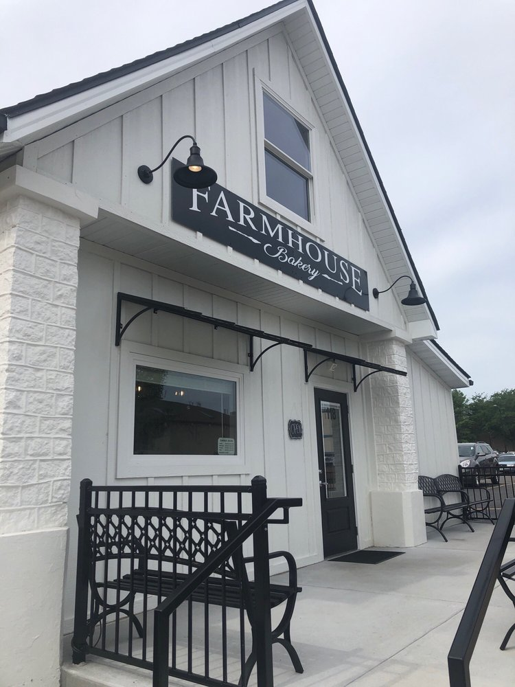 Farmhouse Bakery: 118 E Liberty St, Farmington, MO