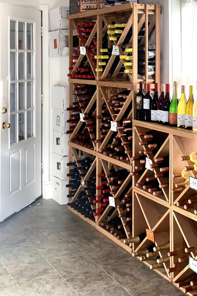 Hudson-Chatham Winery: 1900 Rt 66, Ghent, NY