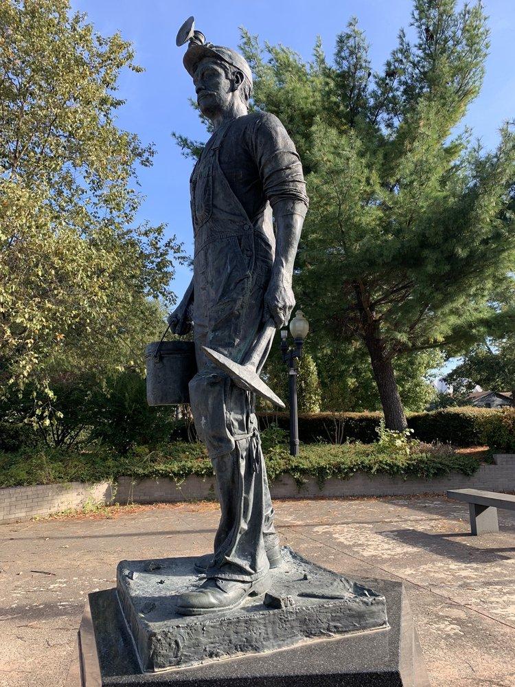 Pioneer Coal Miner Memorial: 411 S 3rd St, McAlester, OK