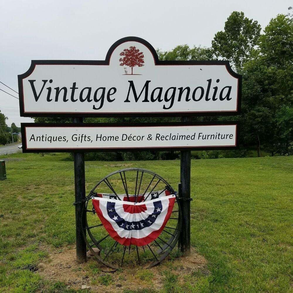 Vintage Magnolia: 19487 James Monroe Hwy, Leesburg, VA