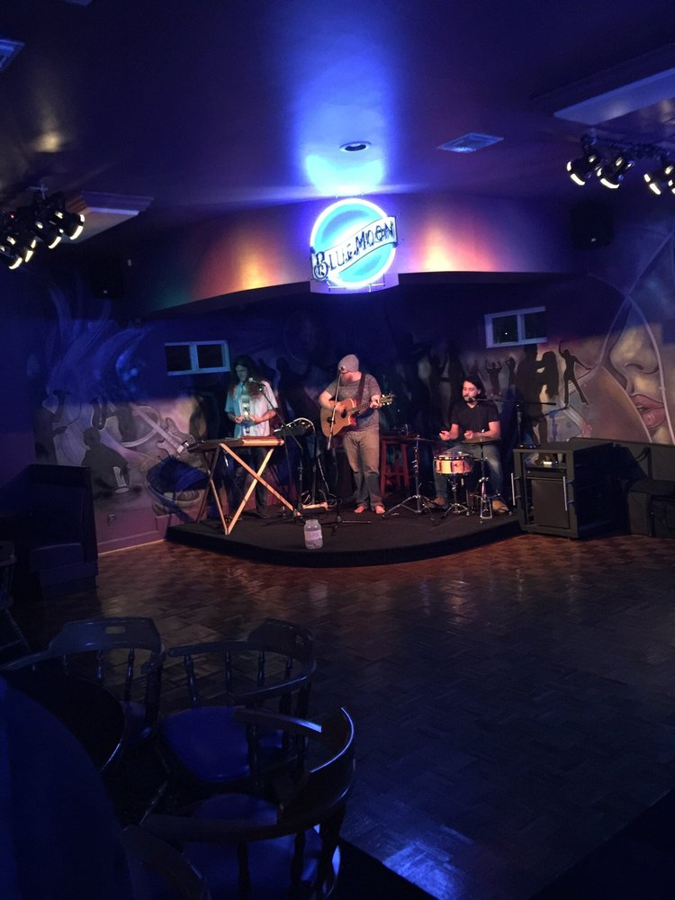 Blue Moon Bar & Grill: 1408 Georgia Ave, Lynn Haven, FL