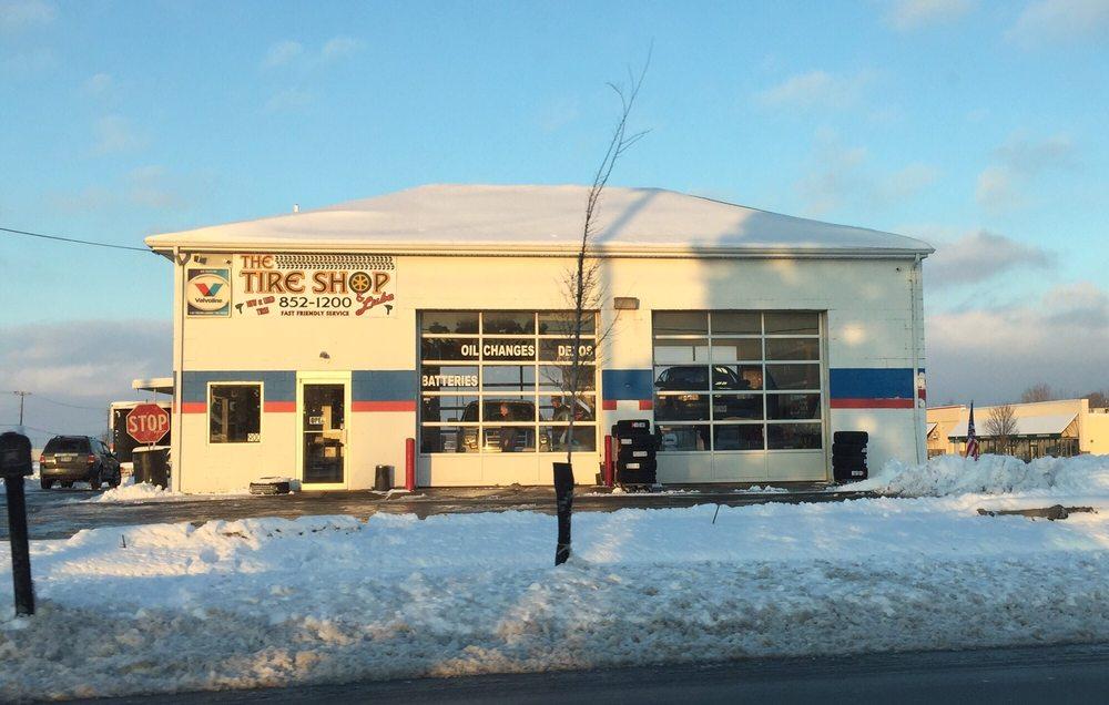 Tire Shop & Lube: 900 Keny Blvd, London, OH