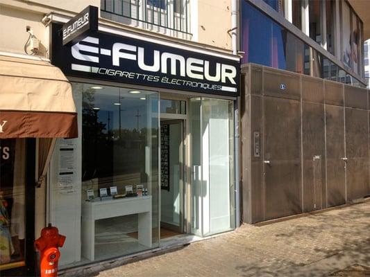 e fumeur bureaux de tabac 1 rue pont sauvetout nantes num ro de t l phone yelp. Black Bedroom Furniture Sets. Home Design Ideas