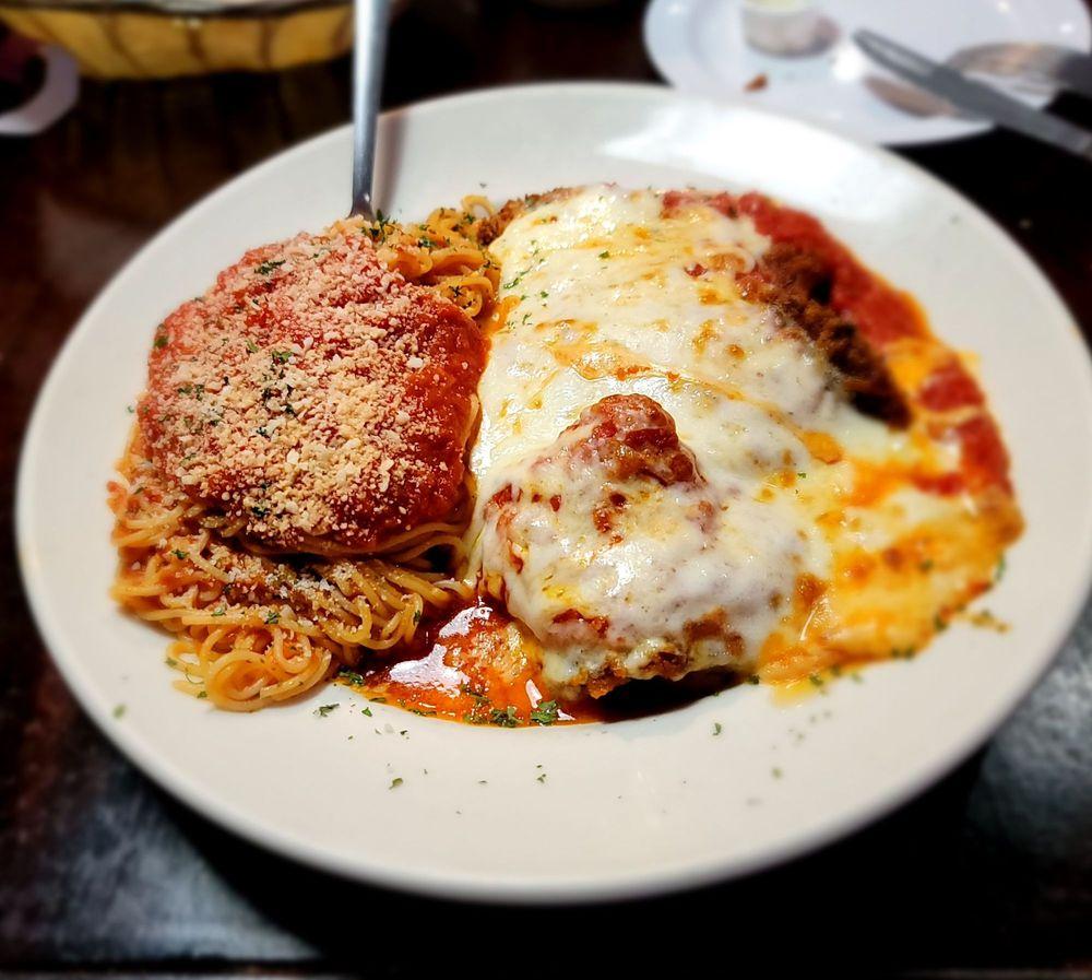 Joe's  Italian Restaurant: 1604 N Frazier St, Conroe, TX