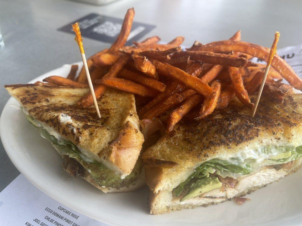 BJ's Restaurant & Brewhouse: 2757 E 80th Ave, Merrillville, IN