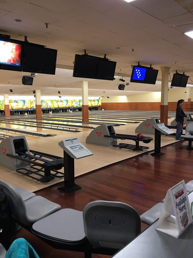 Bowl Long Island at Patchogue: 138 West Ave, Patchogue, NY