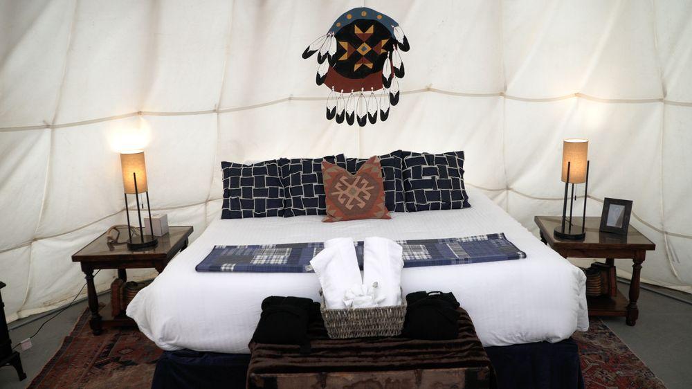 Dreamcatcher Tipi Hotel: 20 Maiden Basin Dr, Gardiner, MT