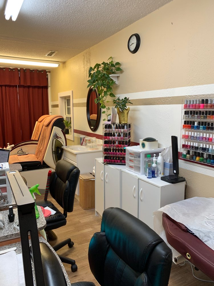 Nails by Ryan: 4561 Long Beach Rd SE, Southport, NC