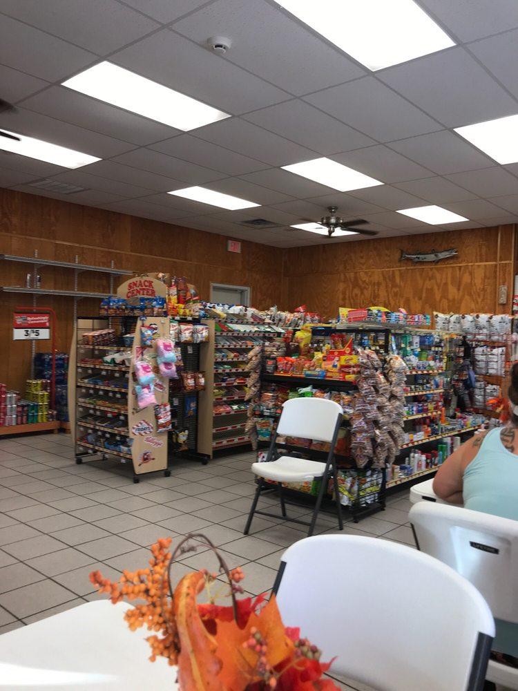 Indian Creek Market and Deli: 1811 Indian Creek Rd, Dandridge, TN
