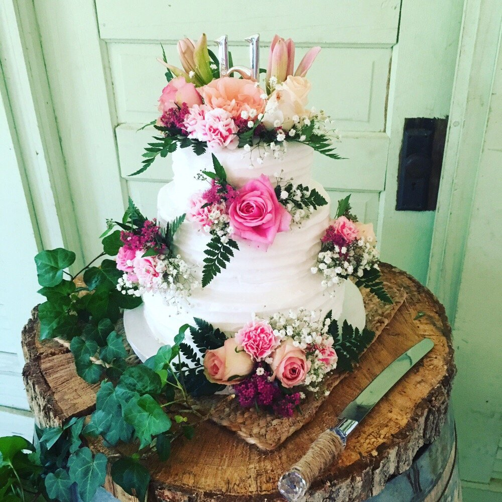Welch Floral Designs: 100 Russell St, Starkville, MS