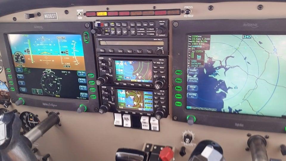 Beverly Flight Center's Avidyne Entegra Glass Cockpit Piper