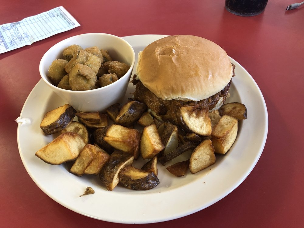 Parkview Restaurant: 1615 W Main St, Corning, AR