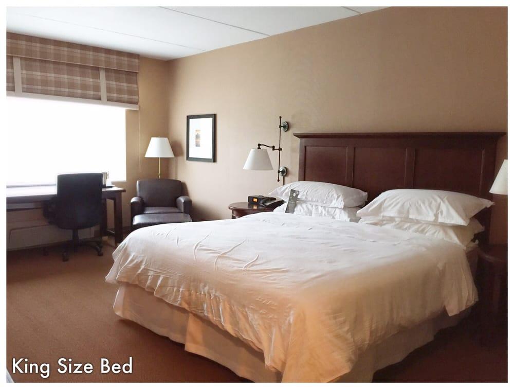 Sheraton Herndon Dulles Airport Hotel: 13715 Sayward Boulevard, Herndon, VA