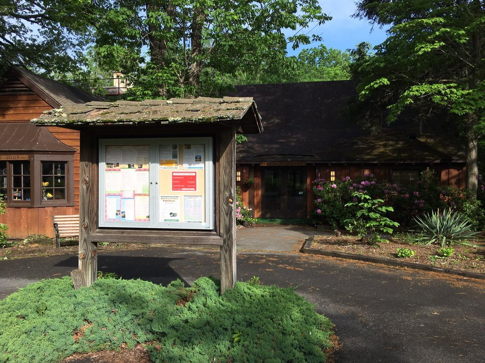 Restaurant At Hungry Mother State Park: 203 E Hungry Mother Dr, Marion, VA