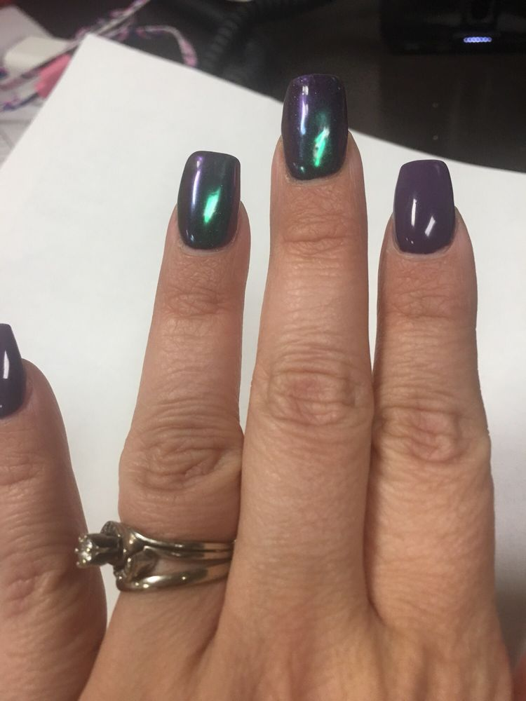 2 chrome nails on this hand look lumpy and my nails are supposed to ...
