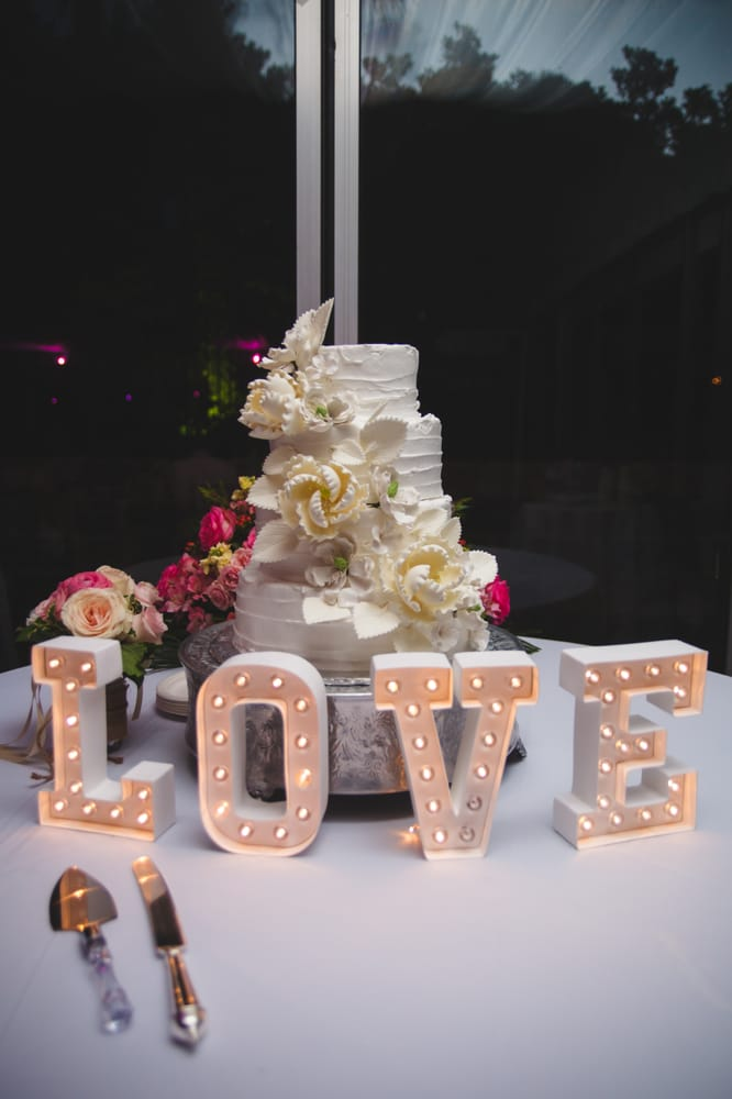 4 tier wedding cake to serve 150 4 tier wedding cake for 150 coconut cake with 10420