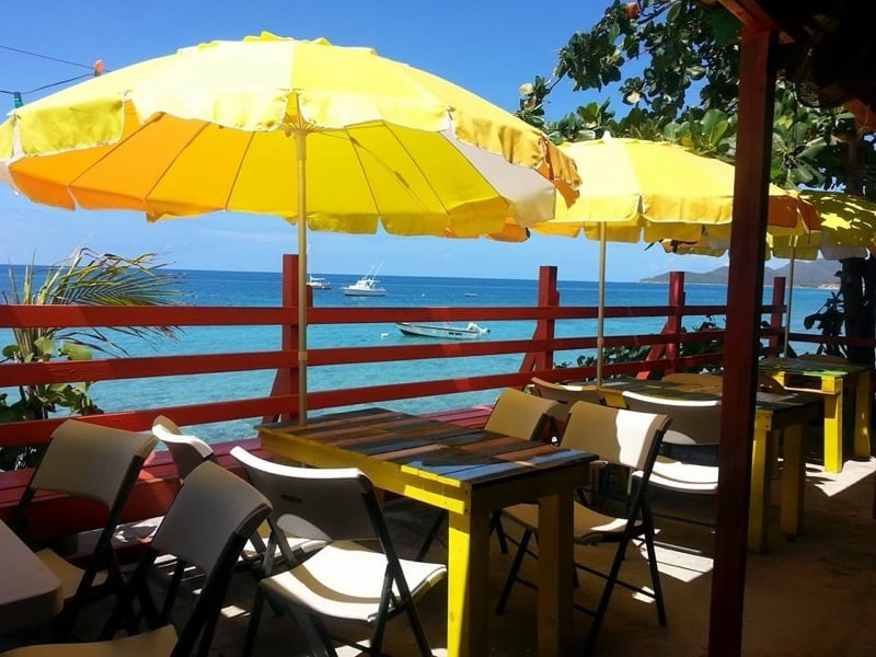 La Nasa: Calle Flamboyan 107, Vieques, PR