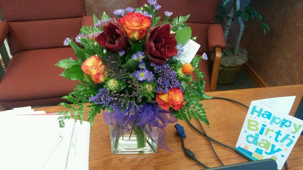 The Secret Garden And Flower Shop Floriculturas 426 Barclay Ave Wakeeney Ks Estados
