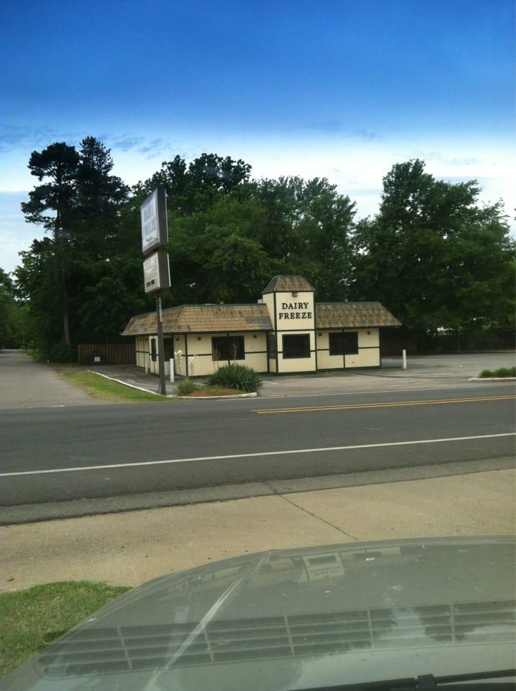 Dairy Freeze: 1201 W Main St, Clarksville, AR