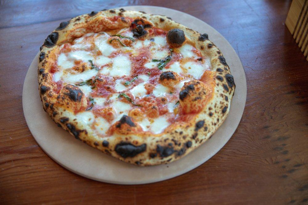 Pizzando: 301 Healdsburg Ave, Healdsburg, CA