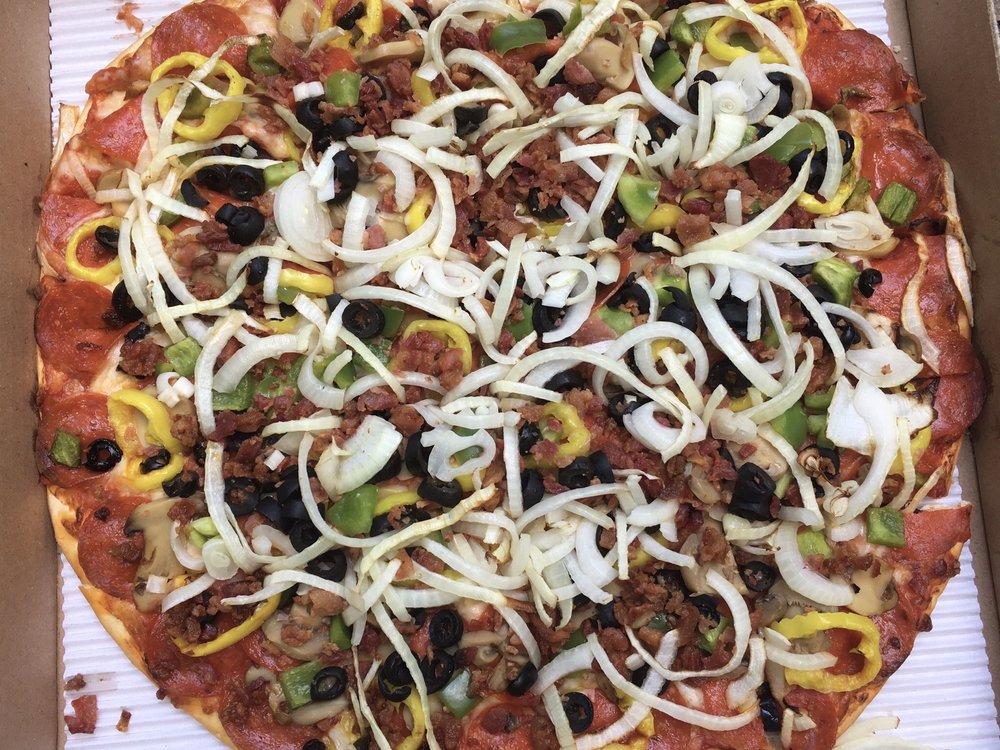 Dirko's Pizza: 500 Coshocton Ave, Mount Vernon, OH