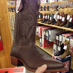 Justin Discount Boots Warehouse - Shoe Stores - 104 E 4th St