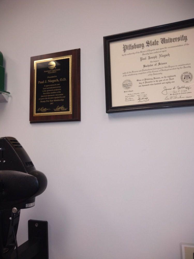 Dr Paul Niegsch: 205 N Broadway St, Pittsburg, KS