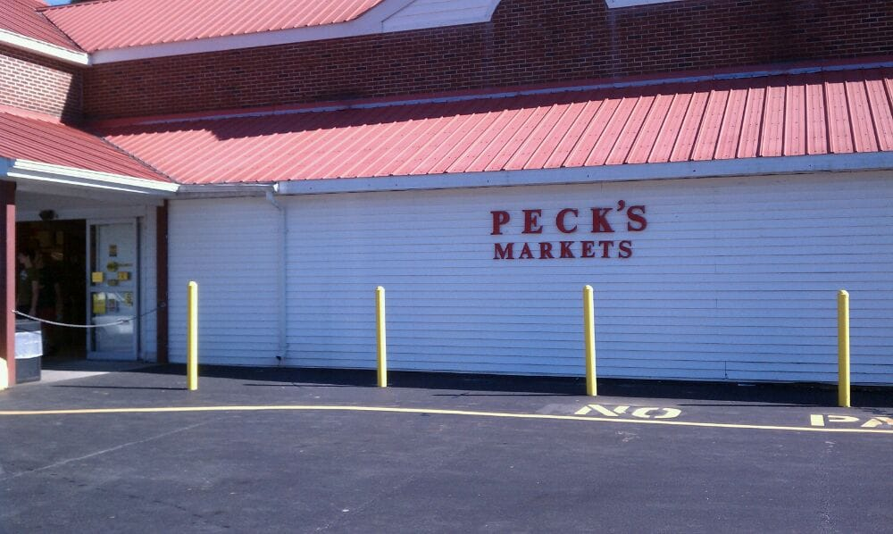 Peck's Market: 9 Proctor Rd, Eldred, NY
