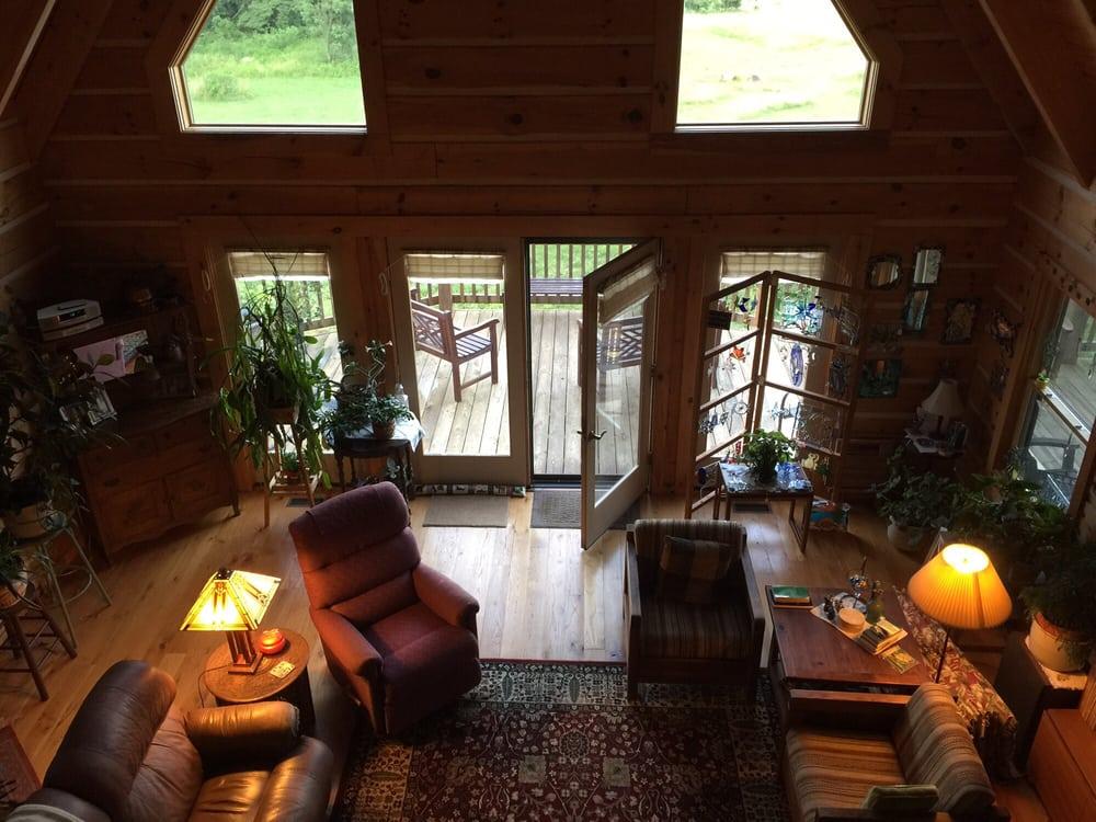 Cedar Post Inn: 1346 Reed Creek Rd, Big Island, VA