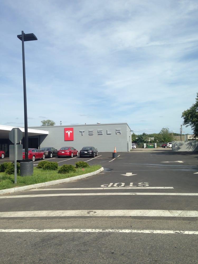Tesla dealership dedham concessionnaire auto 840 for Deal motors clinton hwy