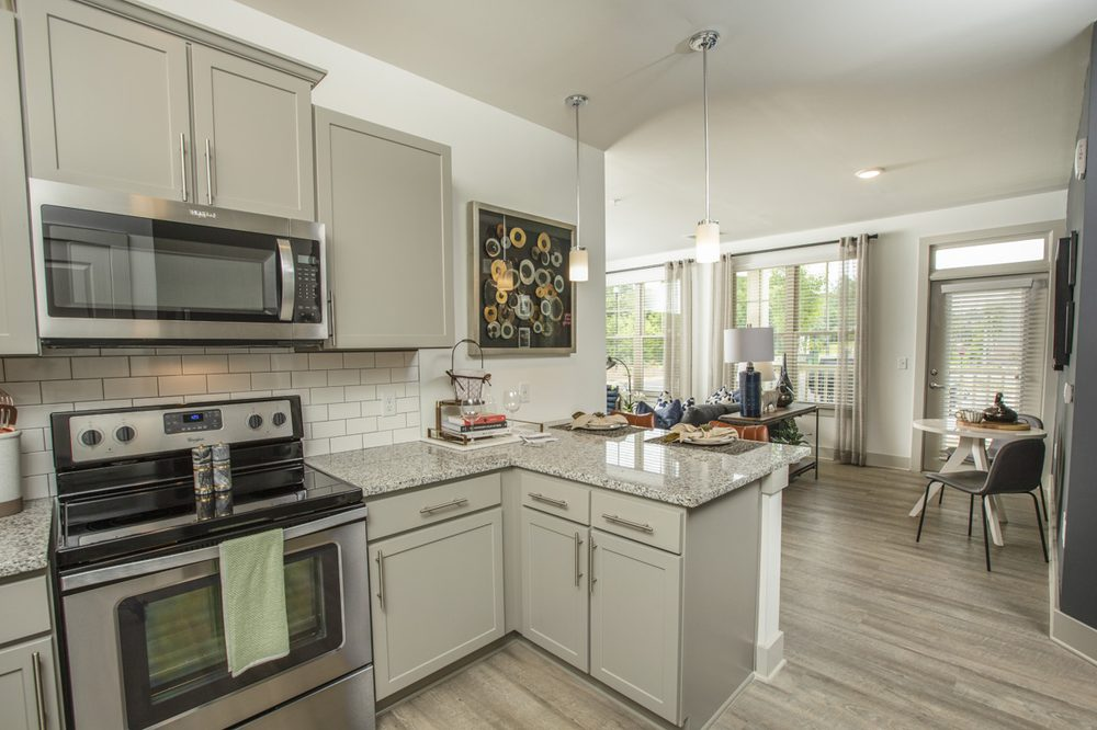 Sixes Ridge Apartments: 4520 Holly Springs Pkwy, Holly Springs, GA