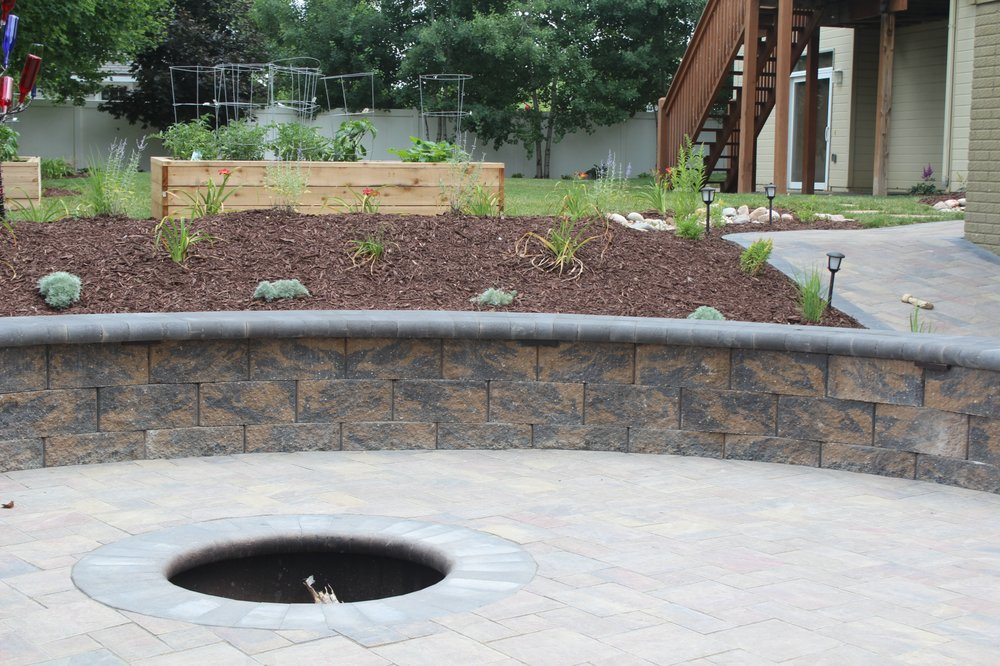 L-Mgt Landscaping & Lawn: 10177 S 168th Ave, Omaha, NE