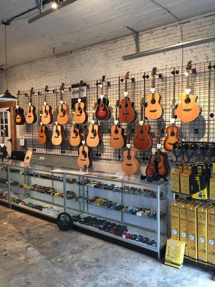 Area 22 Guitars: 212 King St, Brevard, NC