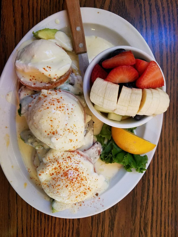 PJ & Co Restaurant & Saloon: 1590 S Wells Ave, Reno, NV
