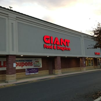 giant food stores grocery 925 norland ave chambersburg pa phone number yelp. Black Bedroom Furniture Sets. Home Design Ideas