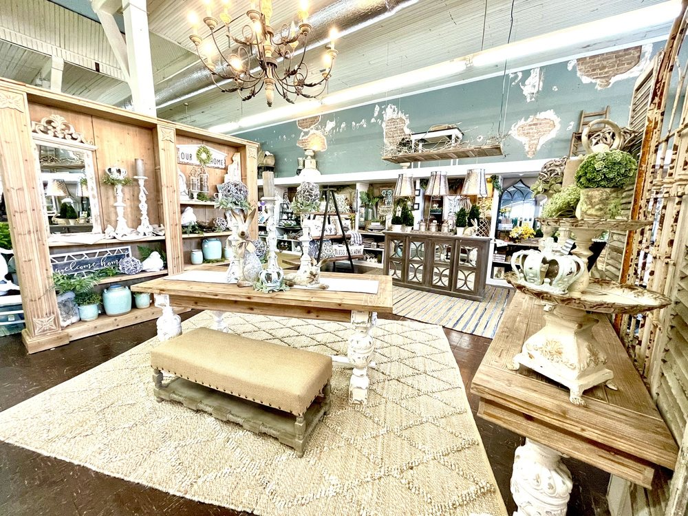 Bless Your Heart: 20 Main St, Eclectic, AL