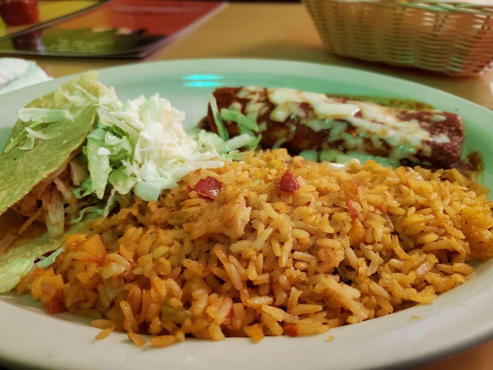 Los Vaqueros Mexican Restaraunt: 300 E Main St, Greenfield, IN