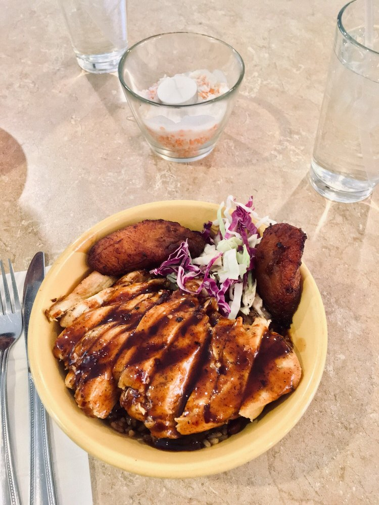 Dhat Island Carribean Creole Cuisine: 308 W State St, Redlands, CA