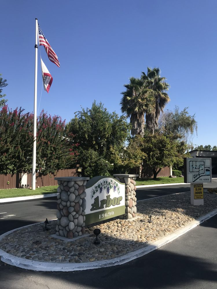 Arbor Mobile Home Park: 19690 N State Route 99 Frontage Rd E, Acampo, CA