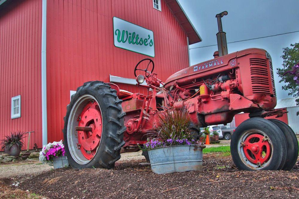 Wiltse's Farm: 50W379 Rt 38, Maple Park, IL