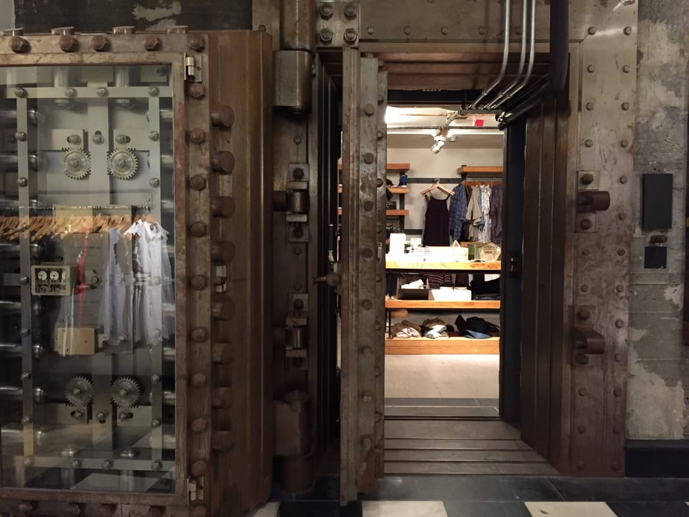 urban outfitters women 39 s clothing 188 middle st old port portland me phone number yelp. Black Bedroom Furniture Sets. Home Design Ideas