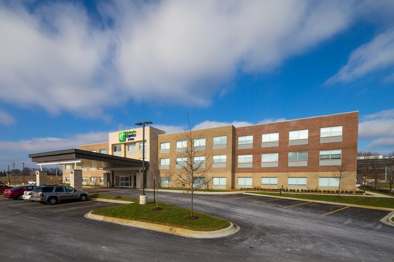 Holiday Inn Express & Suites Alpena - Downtown: 225 River St, Alpena, MI