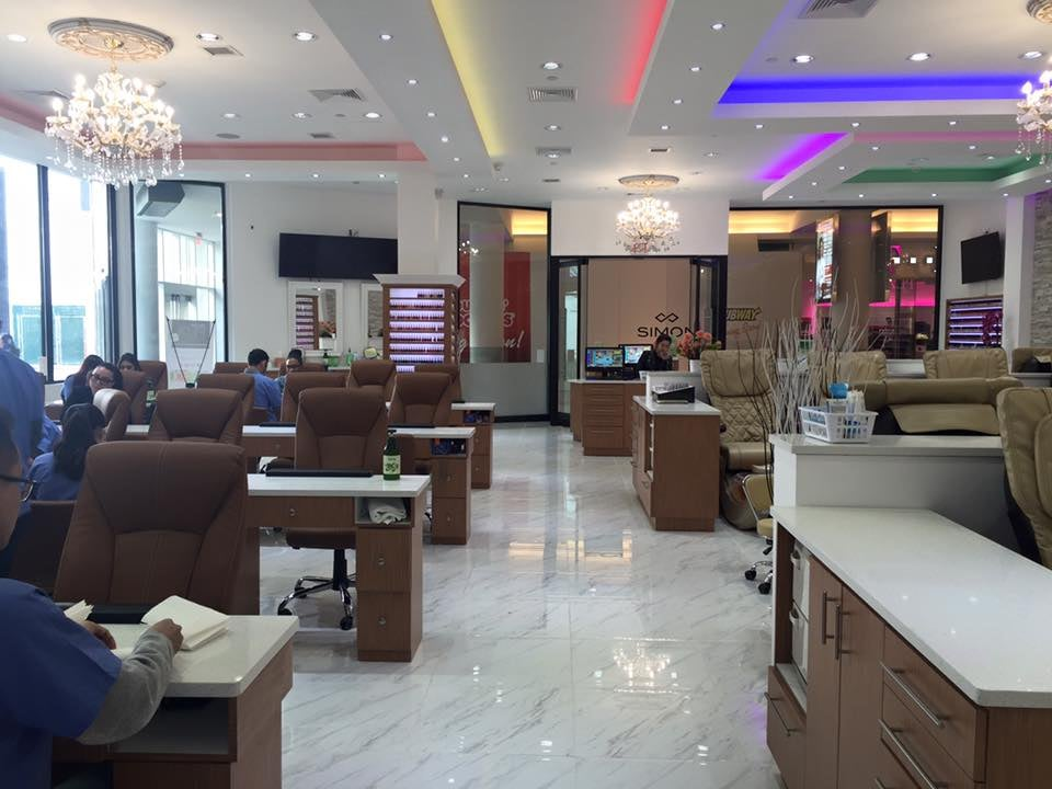 welcome to victoria 39 s nails and spa in roosevelt field mall we guaranty the best service for