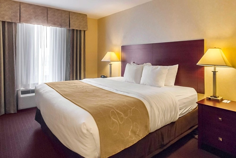 Comfort Suites Manhattan: 1020 Hostetler Drive, Manhattan, KS