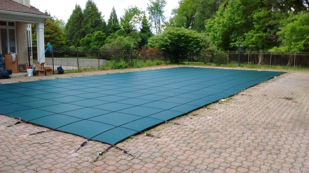 Delaware Pool Fence: 139 S Lexington Dr, Felton, DE