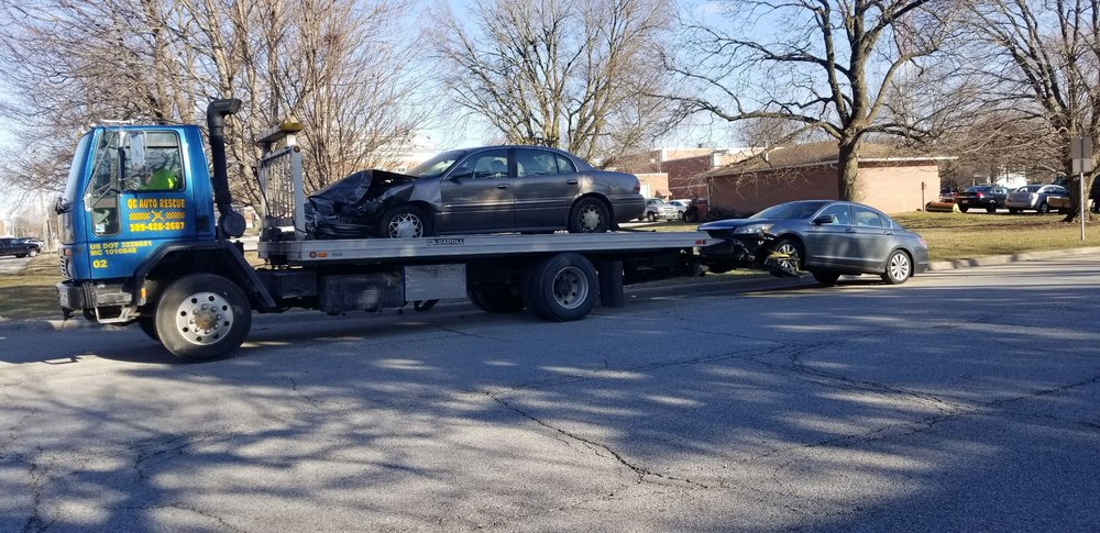 Kendall Towing: 604 9th Ave W, Milan, IL
